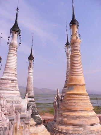 pagodetarkaung101.jpg