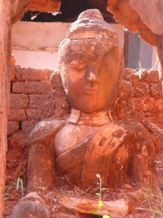 pagodetarkaung108.jpg