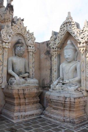 pagodetarkaung133.jpg