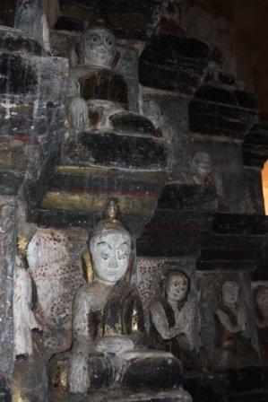 pagodetarkaung135.jpg